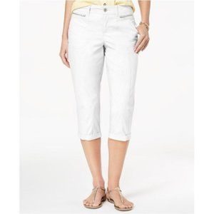 !!~ White Cuffed w/ Zip Pockets Capri Pants ~!!